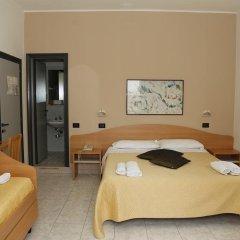 Hotel Villa Dina Римини комната для гостей фото 3