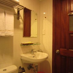 Отель Hoang Hoang Hotel Вьетнам, Хошимин - отзывы, цены и фото номеров - забронировать отель Hoang Hoang Hotel онлайн ванная