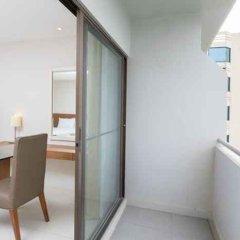 Отель Thomson Hotels & Residences at Ramkhamhaeng Таиланд, Бангкок - отзывы, цены и фото номеров - забронировать отель Thomson Hotels & Residences at Ramkhamhaeng онлайн балкон