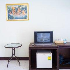 Отель Moon Inn Guesthouse Patong Патонг удобства в номере