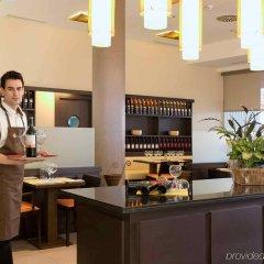 Hotel ibis Madrid Aeropuerto Barajas интерьер отеля