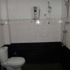 Отель Bandarawela Hotel Шри-Ланка, Амбевелла - отзывы, цены и фото номеров - забронировать отель Bandarawela Hotel онлайн ванная