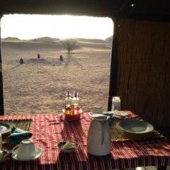 Отель Night Desert Camp Марокко, Мерзуга - отзывы, цены и фото номеров - забронировать отель Night Desert Camp онлайн питание фото 3