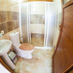Отель Ali Baba's Guesthouse ванная фото 2