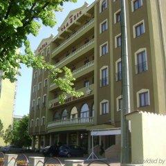 Royal Classic Hotel парковка