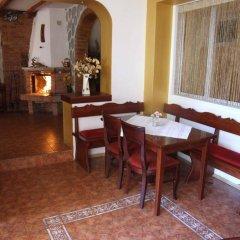 Отель Guest House Zlatev Банско в номере