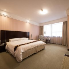 Regal Shanghai East Asia Hotel комната для гостей