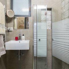 Best Location Jerusalem Stone Apartment Израиль, Иерусалим - отзывы, цены и фото номеров - забронировать отель Best Location Jerusalem Stone Apartment онлайн ванная фото 2