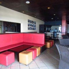 Отель Mactan Pension House Филиппины, Лапу-Лапу - отзывы, цены и фото номеров - забронировать отель Mactan Pension House онлайн гостиничный бар фото 3