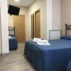 Отель Hostal El Pilar Испания, Мадрид - 1 отзыв об отеле, цены и фото номеров - забронировать отель Hostal El Pilar онлайн комната для гостей фото 3