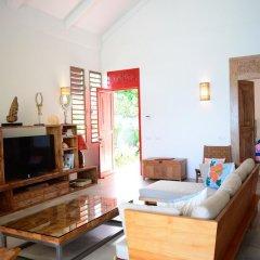 Отель Villa Maere Villa 1 Французская Полинезия, Пунаауиа - отзывы, цены и фото номеров - забронировать отель Villa Maere Villa 1 онлайн комната для гостей фото 2