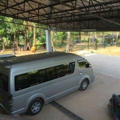 Отель Pra-Ae Lanta Apartment Таиланд, Ланта - отзывы, цены и фото номеров - забронировать отель Pra-Ae Lanta Apartment онлайн парковка