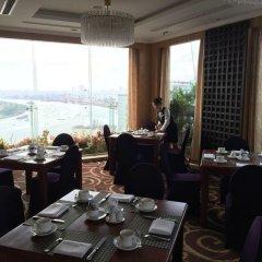 Отель Grand Hotel Saigon Вьетнам, Хошимин - отзывы, цены и фото номеров - забронировать отель Grand Hotel Saigon онлайн питание фото 3
