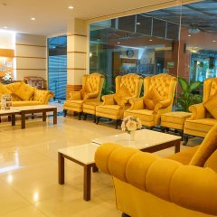 Amnauysuk Hotel интерьер отеля