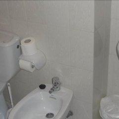 Отель Apartamentos de la Hoz Испания, Арнуэро - отзывы, цены и фото номеров - забронировать отель Apartamentos de la Hoz онлайн ванная