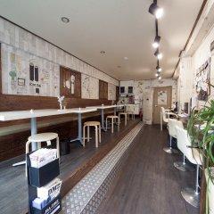 Отель K-guesthouse Sinchon 2 гостиничный бар