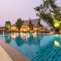 Отель Naina Resort & Spa бассейн