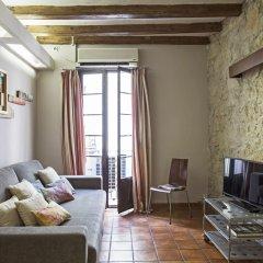 Отель AinB Las Ramblas-Guardia Apartments Испания, Барселона - 1 отзыв об отеле, цены и фото номеров - забронировать отель AinB Las Ramblas-Guardia Apartments онлайн комната для гостей фото 13