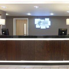 Отель Holiday Inn Express Edinburgh Royal Mile Эдинбург интерьер отеля