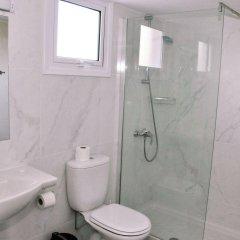 Kaos Hotel Apartments ванная