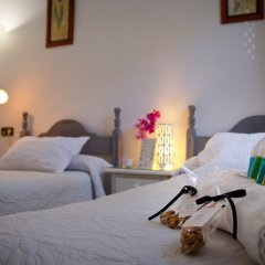 Отель Hostal La Muralla в номере фото 2