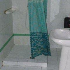 Отель Highlander Guest House And Bar Сан Джулианс ванная