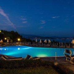 Hotel Belvedere Манерба-дель-Гарда бассейн