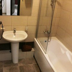 Гостиница on Bulvar Nadezhd 4-1, ap. 102 в Сочи отзывы, цены и фото номеров - забронировать гостиницу on Bulvar Nadezhd 4-1, ap. 102 онлайн ванная