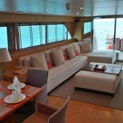 Отель Victory Luxury Motor Yacht комната для гостей