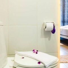 Отель Chalong Boutique Inn Таиланд, Бухта Чалонг - отзывы, цены и фото номеров - забронировать отель Chalong Boutique Inn онлайн ванная фото 2