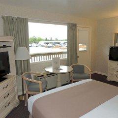 Отель Capt. Thomson's Resort комната для гостей
