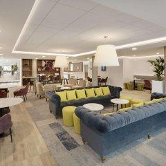 Отель Hampton by Hilton London Stansted Airport интерьер отеля