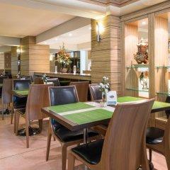 Отель New Suanmali Hotel Таиланд, Бангкок - отзывы, цены и фото номеров - забронировать отель New Suanmali Hotel онлайн гостиничный бар