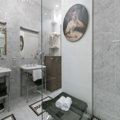 Отель onefinestay - Montmartre-South Pigalle private homes ванная фото 2