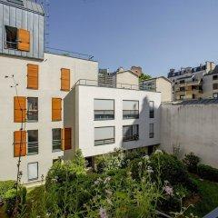 Отель Between the Beams Париж балкон