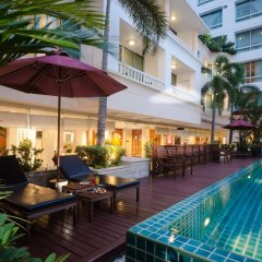 Отель At Ease Saladaeng бассейн