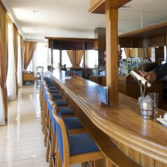 Hotel Las Arenas гостиничный бар