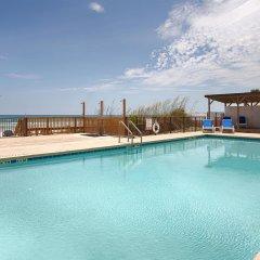 Отель Best Western Oceanfront - New Smyrna Beach бассейн