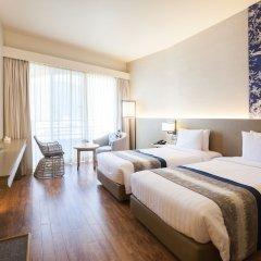 Отель The Royal Paradise Hotel & Spa Таиланд, Пхукет - 4 отзыва об отеле, цены и фото номеров - забронировать отель The Royal Paradise Hotel & Spa онлайн комната для гостей фото 6