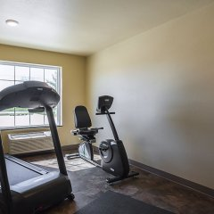 Отель Cobblestone Inn & Suites - Altamont фитнесс-зал