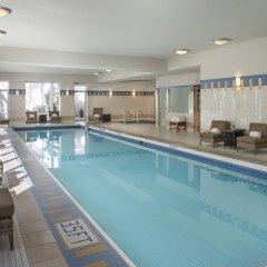Отель Vancouver Marriott Pinnacle Downtown бассейн