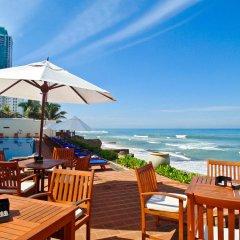 Отель Galle Face Hotel Шри-Ланка, Коломбо - отзывы, цены и фото номеров - забронировать отель Galle Face Hotel онлайн питание фото 2