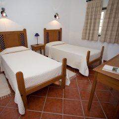 Отель Herdade Naveterra Rural Lodge & Spa комната для гостей