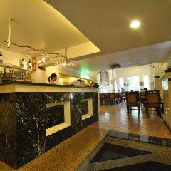 Sunflower Hotel & Spa гостиничный бар