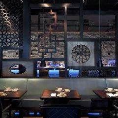 Отель Fontainebleau Miami Beach гостиничный бар