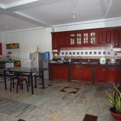 Отель Pere Aristo Guesthouse Филиппины, Мандауэ - отзывы, цены и фото номеров - забронировать отель Pere Aristo Guesthouse онлайн питание фото 3