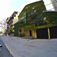 Classical Green Hostel Тбилиси парковка