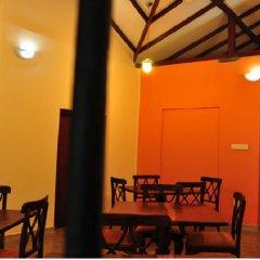 Отель Gedara Resort Шри-Ланка, Калутара - отзывы, цены и фото номеров - забронировать отель Gedara Resort онлайн интерьер отеля