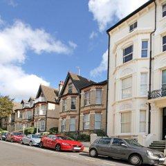 Отель Brighton Getaways - Panoramic Penthouse Великобритания, Хов - отзывы, цены и фото номеров - забронировать отель Brighton Getaways - Panoramic Penthouse онлайн парковка
