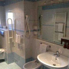 Отель Intra Hotel Италия, Вербания - отзывы, цены и фото номеров - забронировать отель Intra Hotel онлайн ванная фото 2